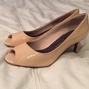 Kalila peep toe pump - lgt rose taupe patent- New!